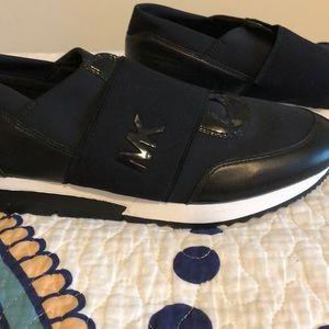 Never Worn! Michael Kors shoes. Size 10M